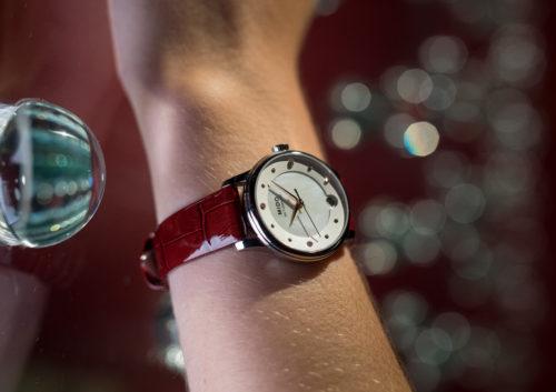 Mido Swiss automatic watches Baroncelli LadyDayNight M039 207 16 106 00 red strap night PR 2